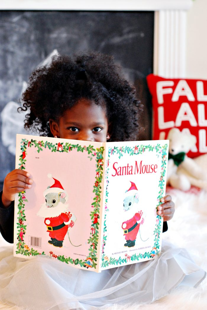 A Complete List of Christmas Children's Books to Read to Your Child