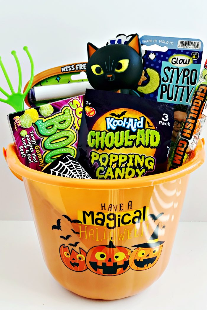 The Halloween Treat Your Kids Will Scream For! Boo Basket Inspiration + Ideas